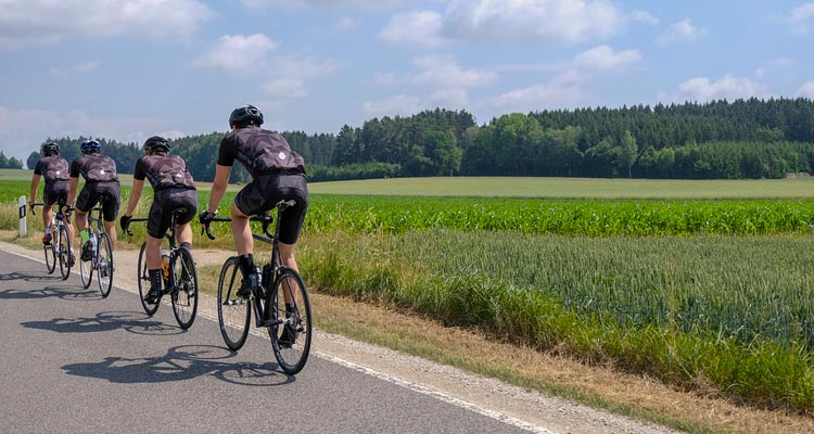 Benefici del ciclismo: tra salute fisica e mentale.