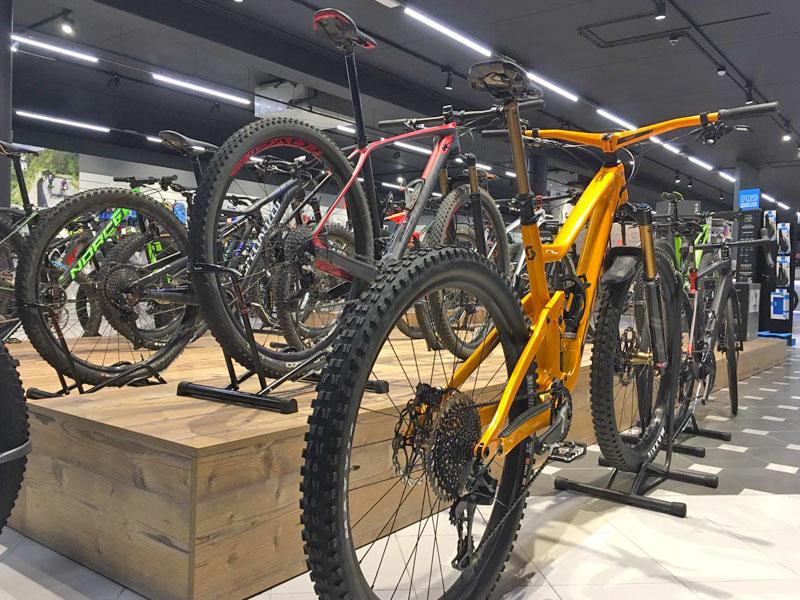 Oltre 45 modelli di biciclette ti aspettano nel nostro punto vendita. Moretti Bassano.