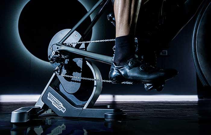 Da Zwift a Technogym: il mondo virtuale per il ciclismo