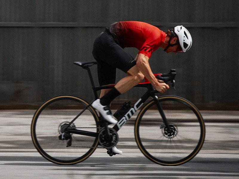 Nuova BMC Teammachine SRL01: una bici da peloton! Moretti Bassano.