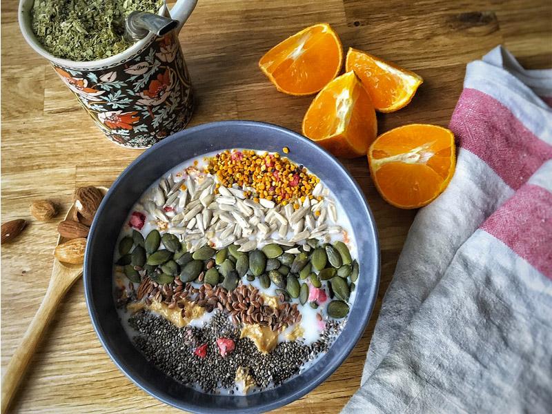 Come iniziare la giornata? Il porridge di avena è un'ottima carica di energia. Moretti Bassano.
