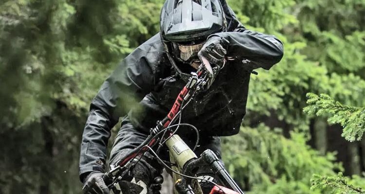 protezione in offroad: caschi MTB Leatt. Moretti Bassano.